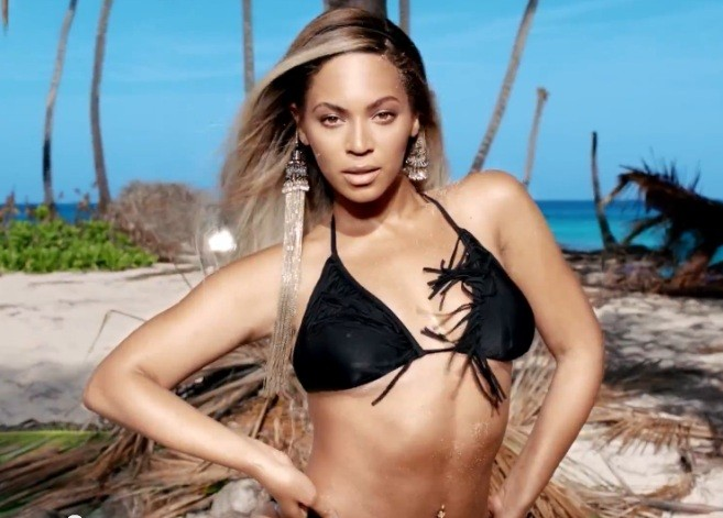 In Natural' Bikini Airbrushed H Pics Over Curves Beyoncé Unhappy amp;m SUVqzMp