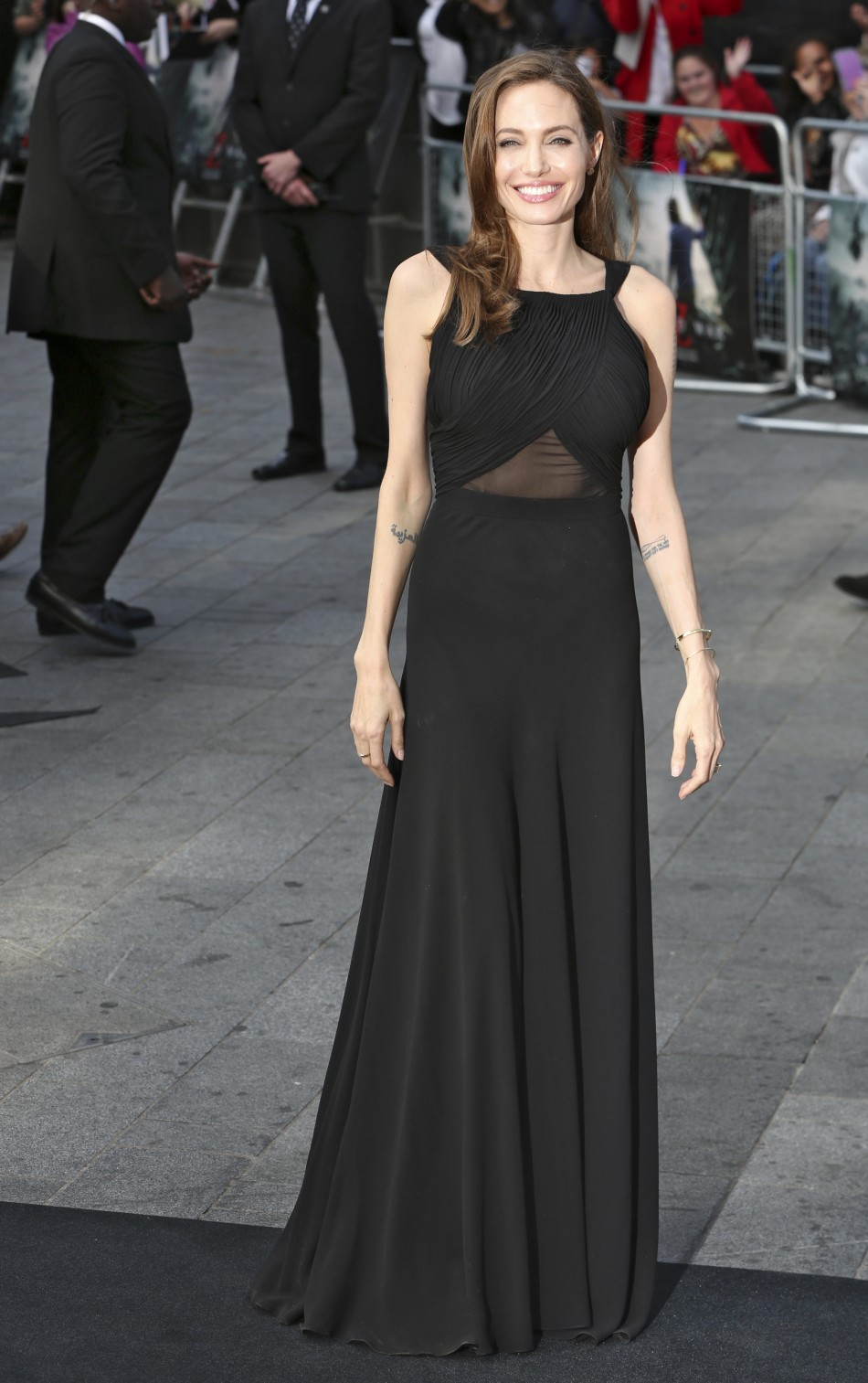 Angelina Jolie arrives for the world premiere of her husband Brad Pitts film World War Z in London June 2, 2013.