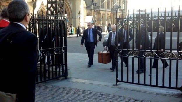 Crown arrives at the coronation church PIC: Westminster Abbey