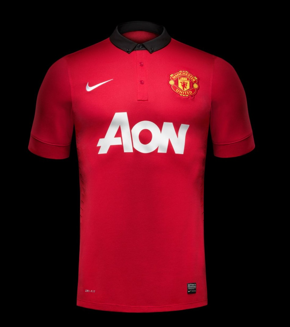 Manchester United 201314 home kit - front