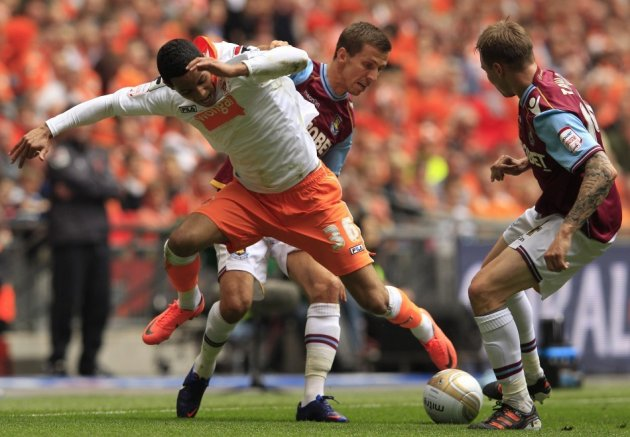 Tom Ince (L)