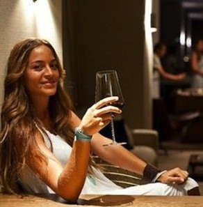 Marta Tornel raises a glass to victory for David Ferrer