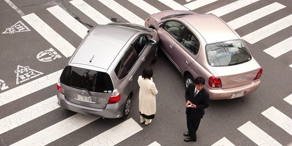 Average car insurance cost drops to its record low says AA report.