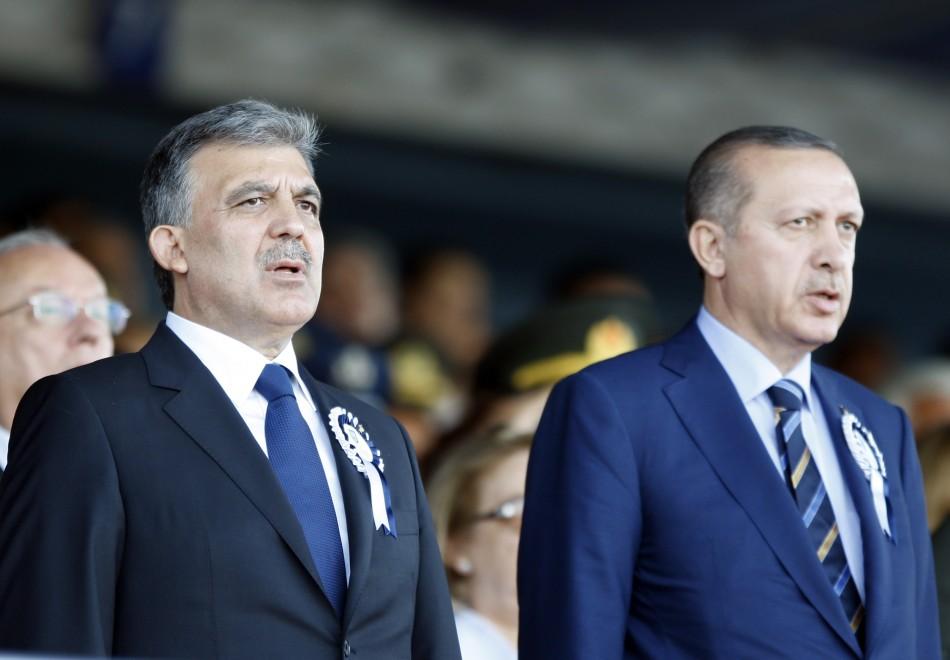 Turkey's President Abdullah Gul (L) and Turkey's Prime Minister Recep Tayyip Erdogan