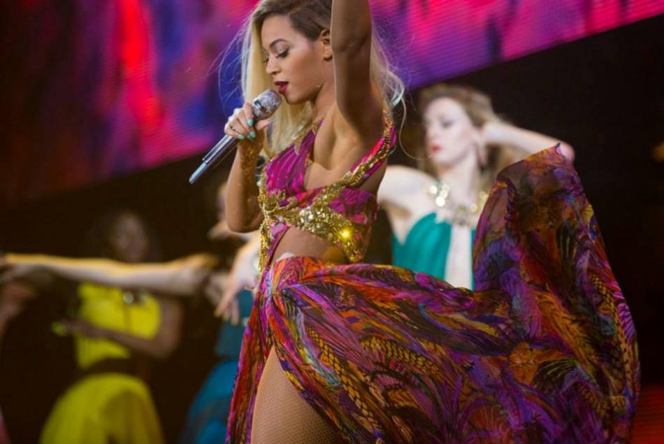 Beyonce wearing the Roberto Cavalli number