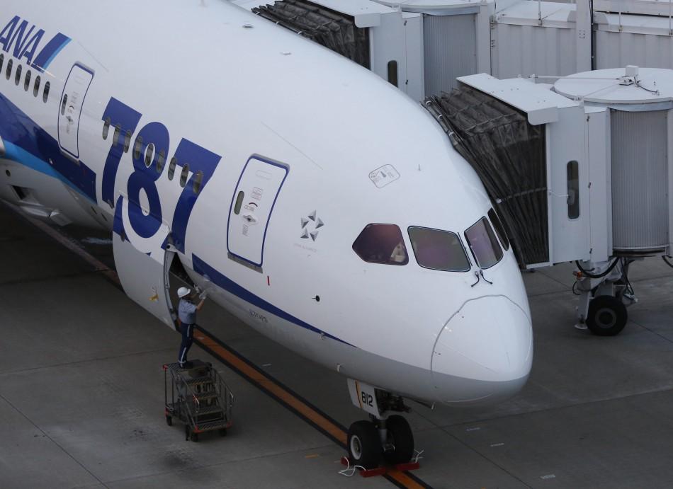 787 Dreamliner plane