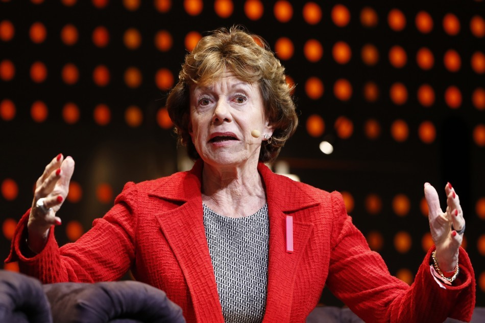 Neelie Kroes: EU Votes to Scrap Mobile Phone Charges