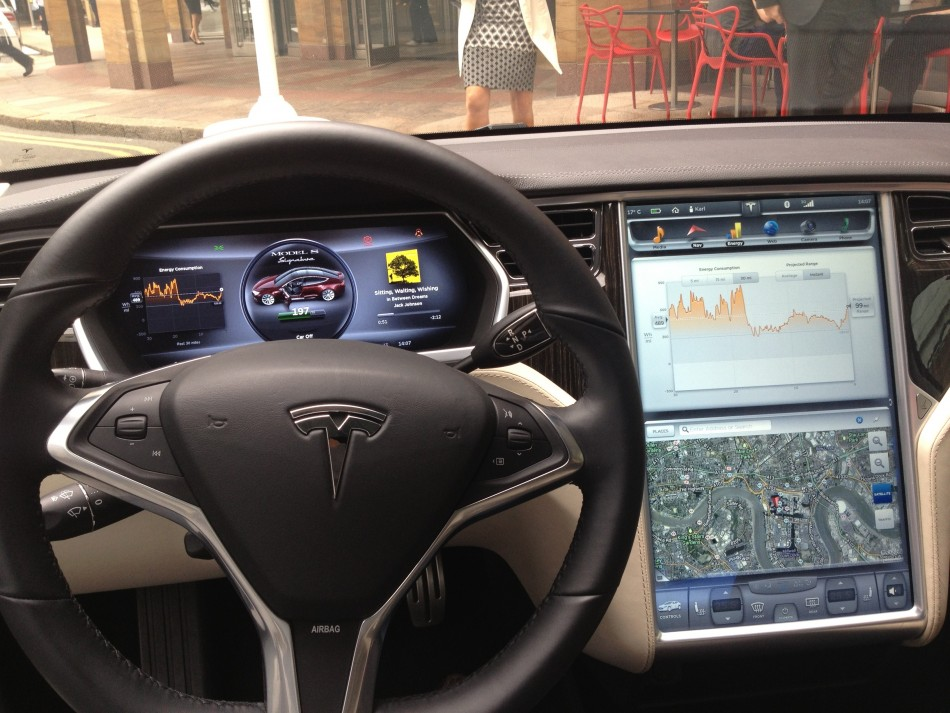 Tesla Model S First Impressions Of In Car Computer System