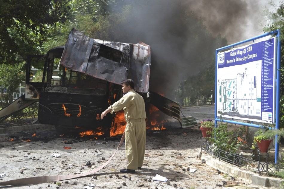 Bus bombed by militants in Quetta, Pakistan