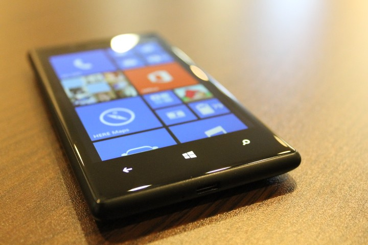 Microsoft Lumia 730 to Provide 'Wireless Charging' Functionality