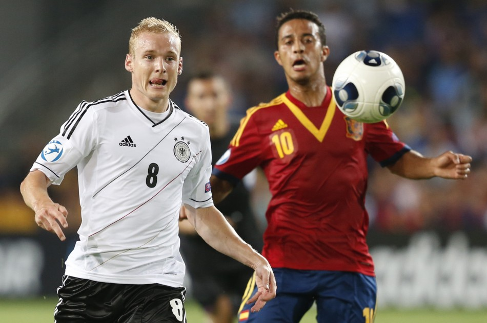 Thiago Alcantara (R) and Sebastian Rode