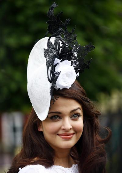 Aishwarya Rai Bachchan looks Gorgeous at Royal Ascot