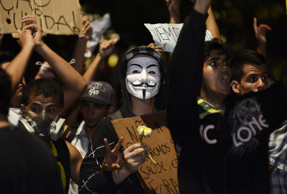Brazil's Dilma Rousseff announces reforms over protests