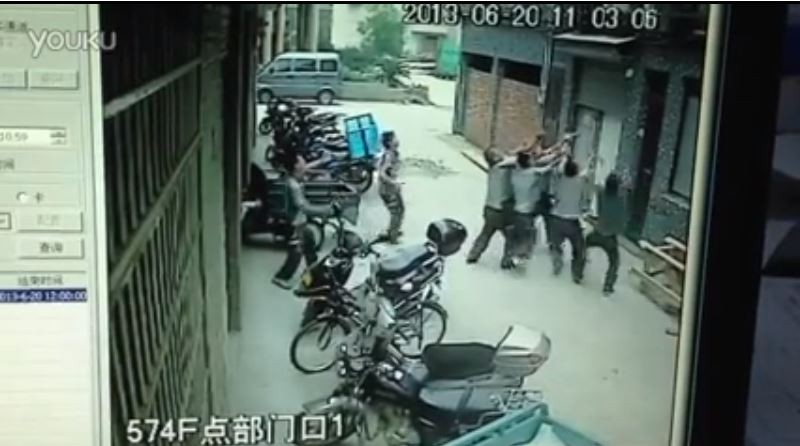 Chinese Toddler Saved by Passerby