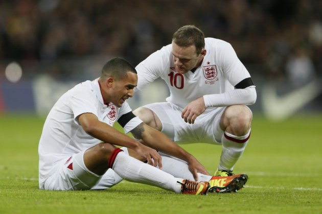 Wayne Rooney could join Theo Walcott at Arsenal