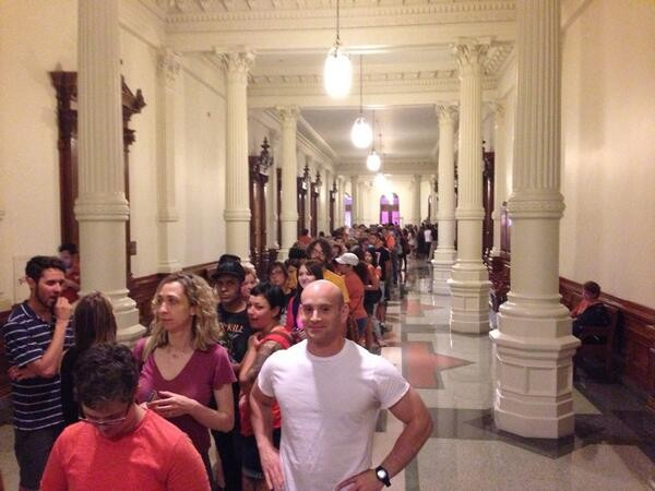 Line out the door to see Wendy Davis stand up for women's rights in Texas