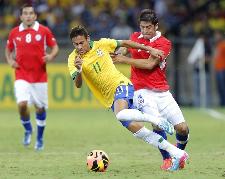 Neymar (L)