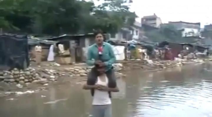 Indian journalist floods
