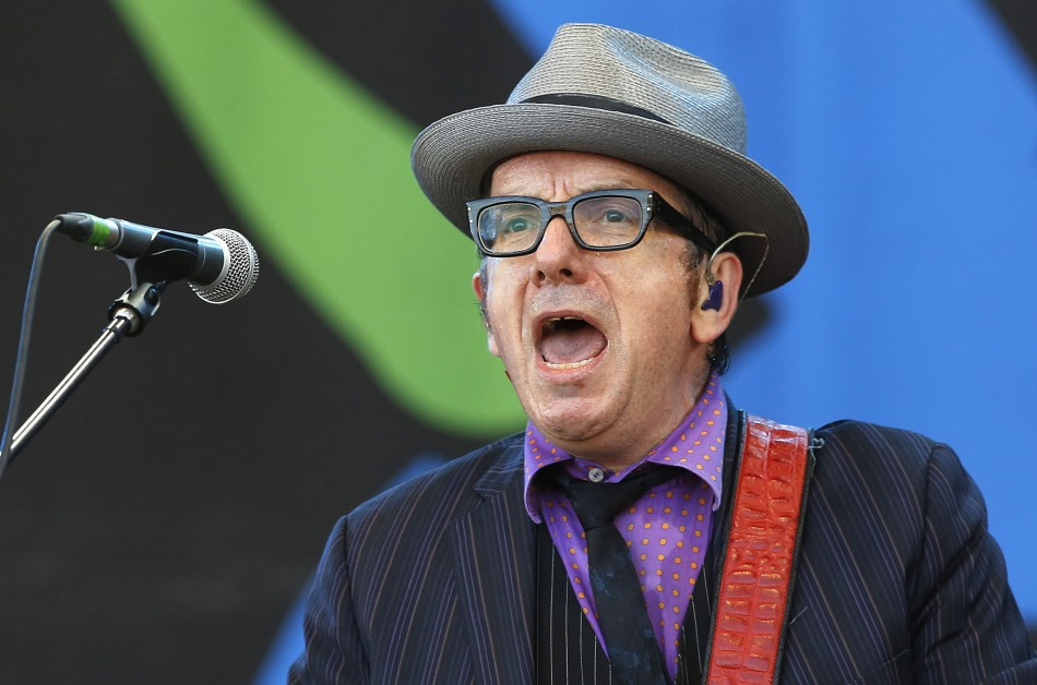 Singer Elvis Costello performs on the Pyramid Stage at Glastonbury music festival at Worthy Farm in Somerset, June 29, 2013.