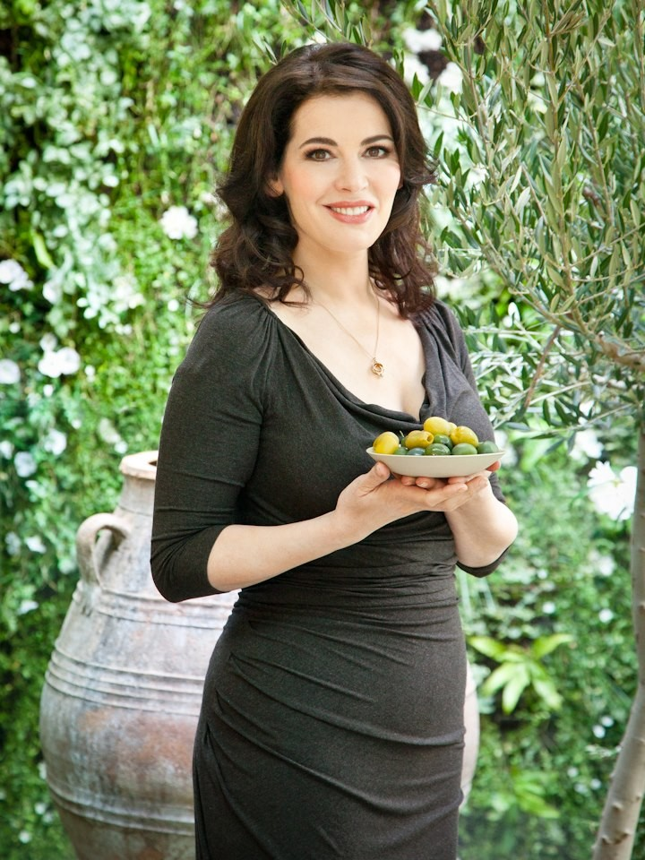 Nigella Lawson urged to dump hubby to save career/Facebook/Nigella Lawson