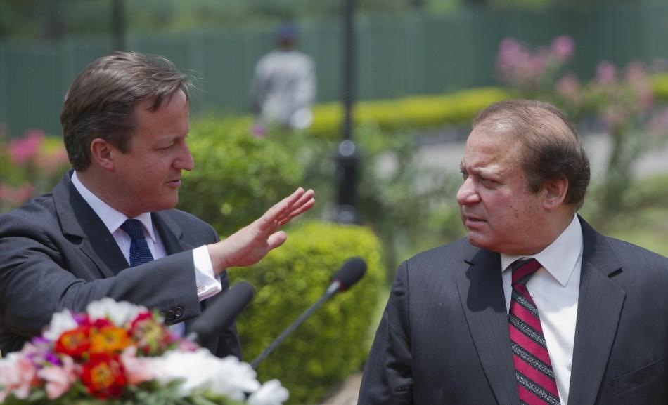 David Cameron (l) and Pakistan PM Naswaz Sharif