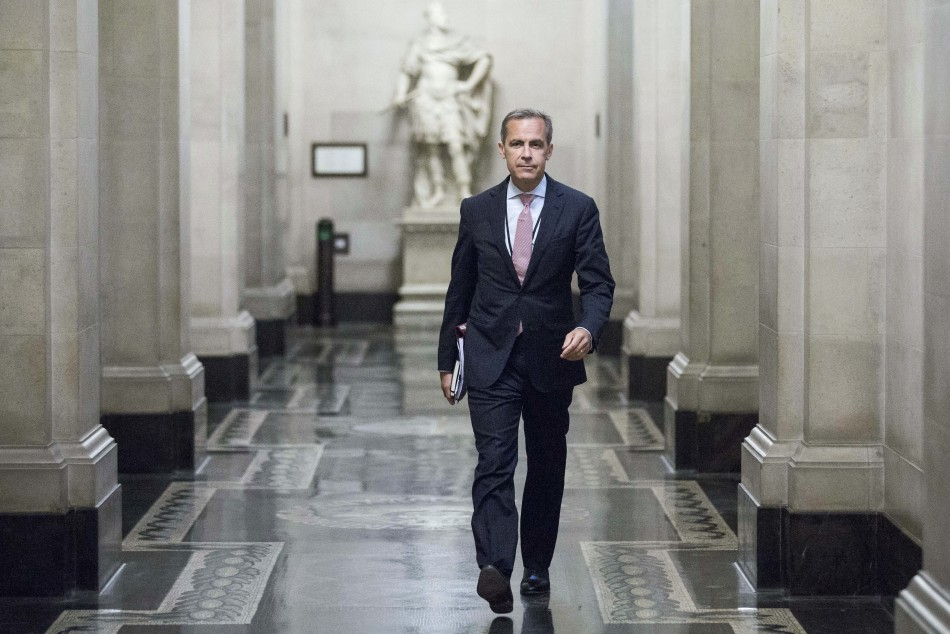 Mark Carney, the governor of the Bank of England, walks to a monetary policy committee (MPC) briefing on his first day inside the central bank's headquarters in London July 1, 2013. (Photo: REUTERS)