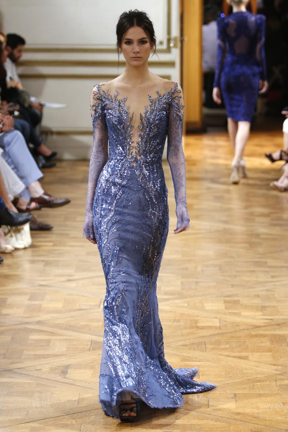 Paris Fashion Week Kristen Stewart Dazzles In Black At