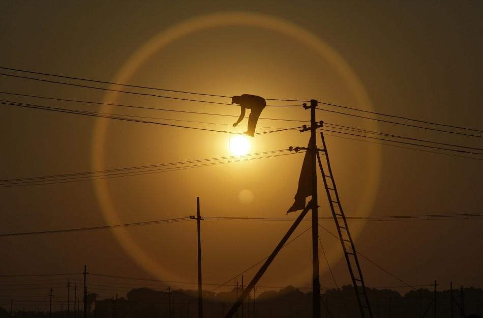 India hikes gas prices