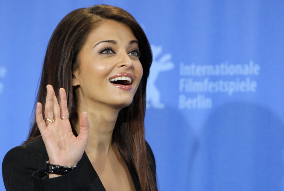 Actress Aishwarya Rai Bachchan poses during a photocall to promote the movie Pink Panther 2 at the 59th Berlinale film festival in Berlin, February 13, 2009.