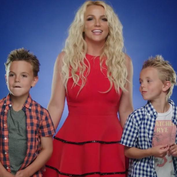 Britney Spears 'Smurftastic' Ooh La La Music Video Released/Instagram/Britneyspears