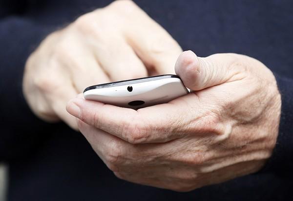 Google's Eric Schmidt Reveals Moto X Smartphone