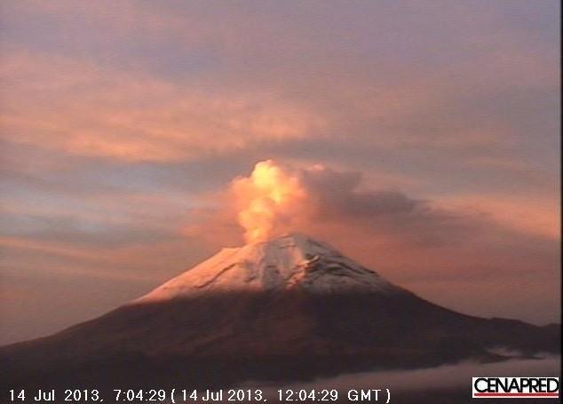 a report on popocatepetl an active volcano in mexico View to popocatepetl volcano  view from the holiday inn puebla to popocatépetl vulcano puebla , mexico  (5426 m, constantly active and fairly active volcano.