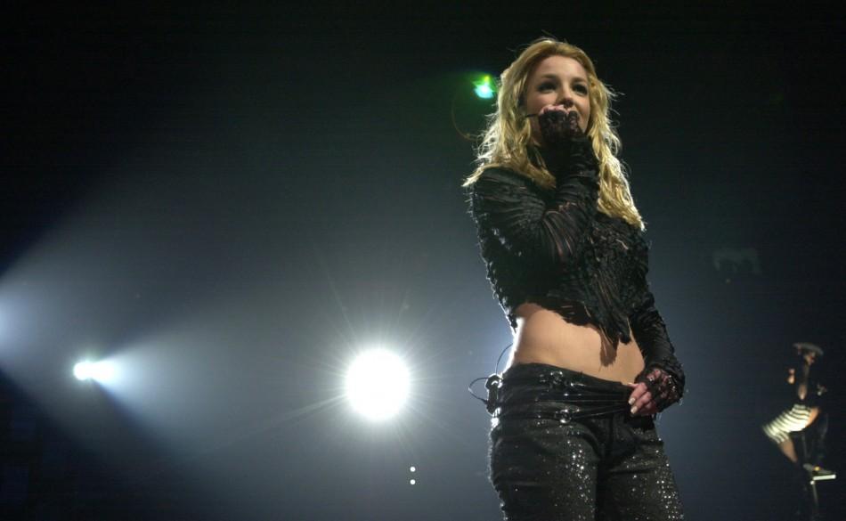 Britney Spears signs Vegas residency/Reuters