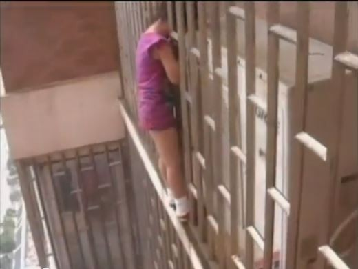 Chinese Girl Got her Head Stuck outside Window