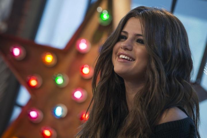 Selena Gomez Calls Bradley Cooper Beautiful/Reuters