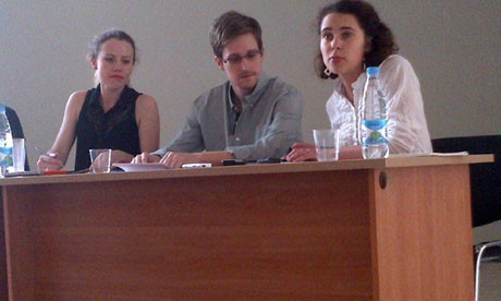 Edward Snowden with human rights groups representatives in Moscow (Tanya Lokshina/HRW)