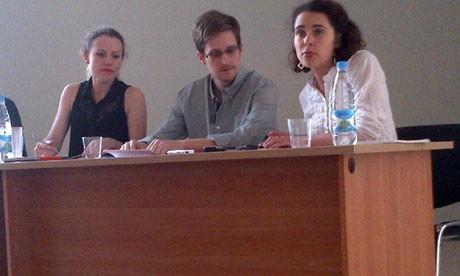 Edward Snowden with human rights groups representatives in Moscow (Tanya Lokshina/HRW)