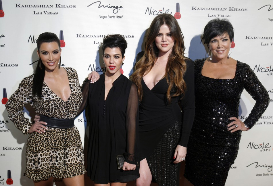 Kris Jenner (R) with her daughters