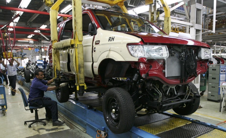 GM fires several employees after probe into SUV recall