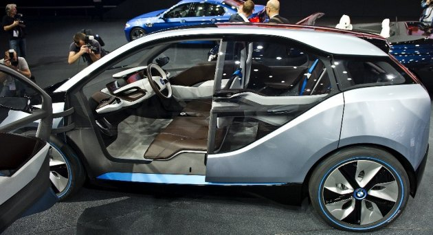 I3 Global Launch Bmw S First Electric Car Rolls Off Production Lines