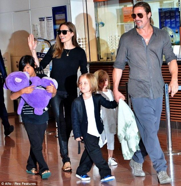 Angelina Jolie Steals the Spotlight from Brad Pitt at World War Z Premiere in Tokyo