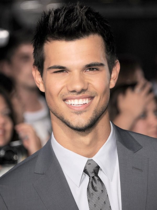 Twilight S Taylor Lautner Set To Star In Bbc Three Comedy