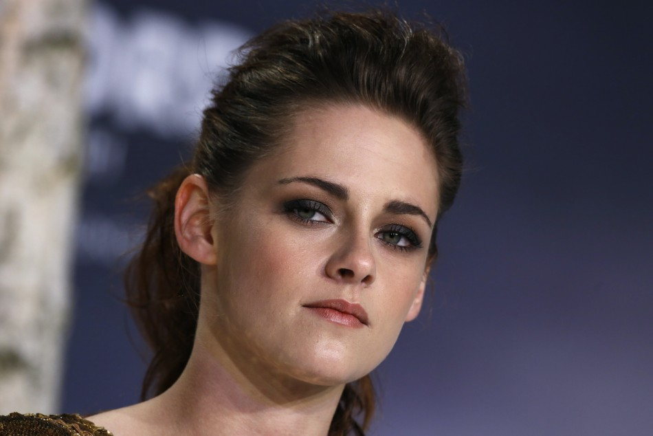 Kristen Stewart Swears At Paparazzo When Asked About Robert Pattinson/Reuters