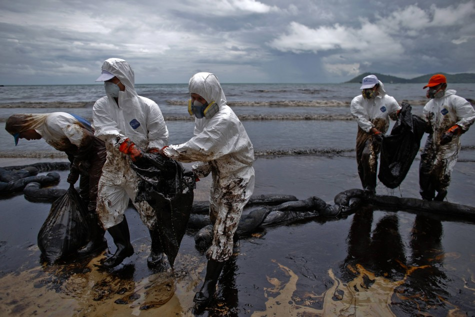 Gulf of Thailand Oil Spill Blackens Koh Samet Beaches