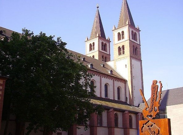 Wuerzburg cathedral in Munich, where Neo-activity by priests was alleged