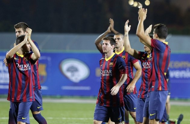 Barcelona applaud fans in Dura stadium