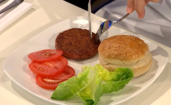 The tasting was shown live via the Cultured Burger website