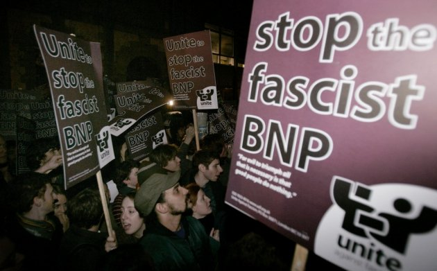 Unite Against Fascism protesters picket Irving at Oxford University in 2007