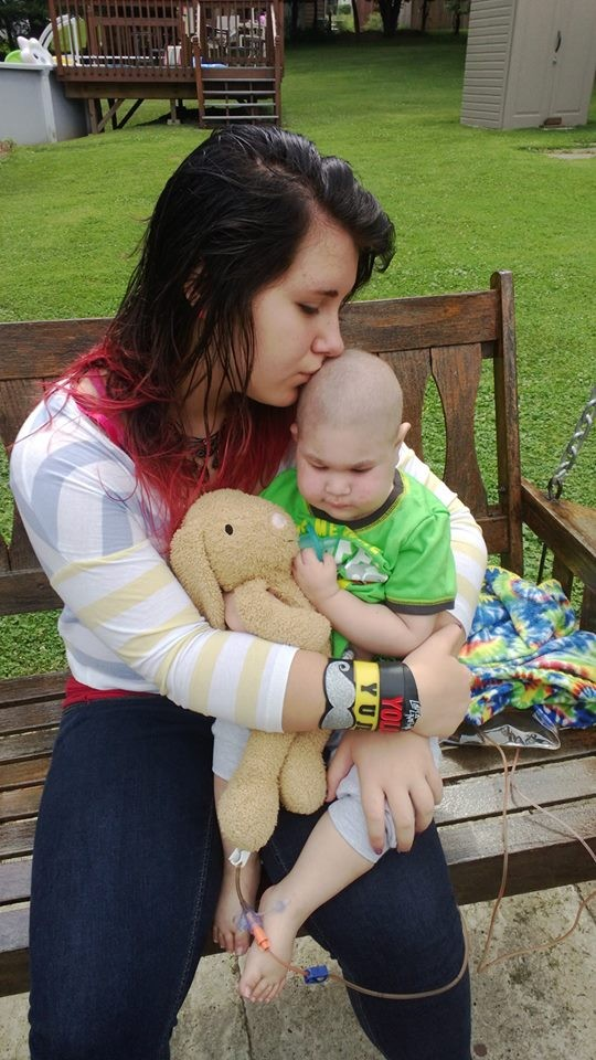 Logan is survived by his parents, a 13-year-old elder sister and a one-year-old younger sister. (Photo: Christine Swidorsky/Facebook)