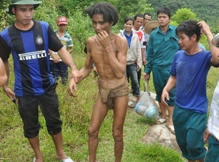 Vietnam: 'Tarzan' Father and Son Discovered Living in Jungle Tree House 40 Years After Fleeing US Bombs